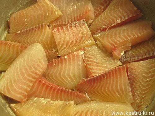 Рыба, запеченная под майонезом и сыром