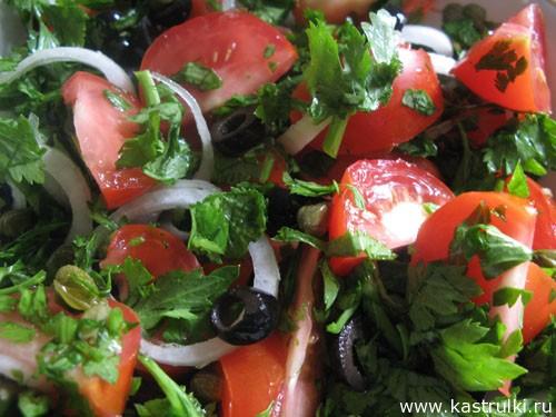 Салат с помидорами и сельдереем