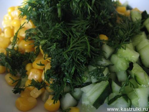 Салат из огурца и кукурузы