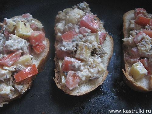 Пикантные бутерброды со шпротами