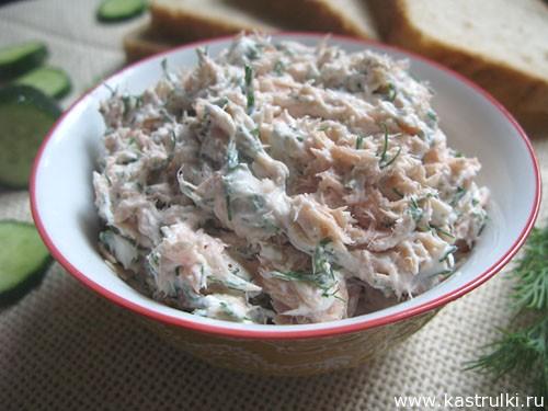 Закуска из красной рыбы и сыра