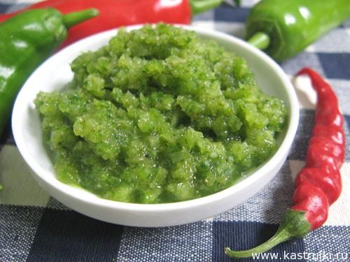 Аджика из острого зеленого перца