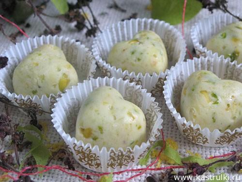 Конфеты из белого шоколада с фисташками и лимоном