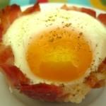 Корзиночки из бекона с яйцом