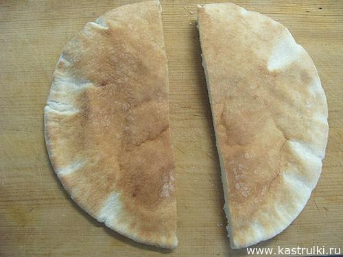 Пита с сыром и колбасой