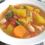 Томатный суп с тыквой и фасолью