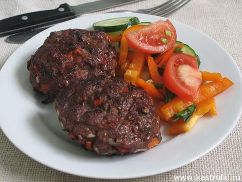Рубленные бифштексы с болгарским перцем