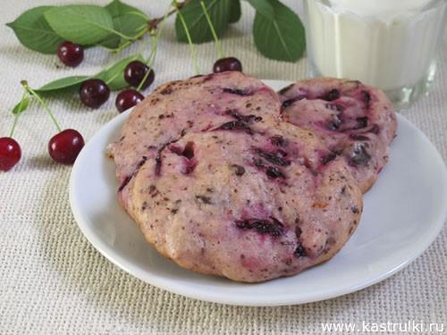 Печенье с вишней и шоколадом