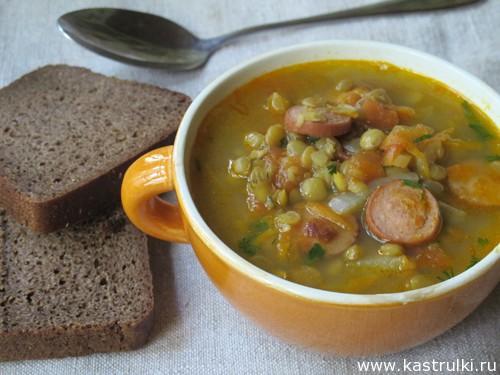 Чечевичный суп с сосиками